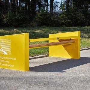 bahu Bankmanufaktur – Bänke mit Beschriftung des Regionalverbandes Bodensee-Oberschwabens anlässlich der Landesgartenschau in Überlingen