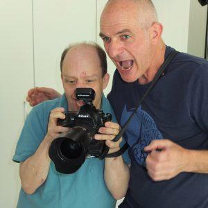 Making-of der Broschüre mit Fotograf Felix Kästle. Hier entstehen Fotos für das Bildungs- Begegnungs- und Förderzentrum