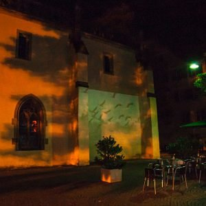 Projektion an der Außenwand der Liebfrauenkirche in Ravensburg