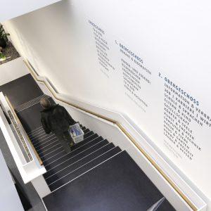 Im Rahmen der Gesamtbetreuung wurden auch die Raum- und Fassadenmarkierungen gestaltet  © 2009 Anja Koehler