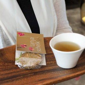 Ein Tässle Tee zum Wohlfühlen bekommt jeder Kunde zur Begrüßung