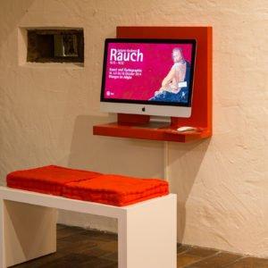Medienstation mit interaktiven Karten